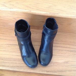 Black Croft and Barrow low boots with side zip.
